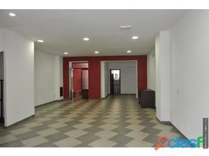 Se Alquila local comercial con dos pisos nuevos