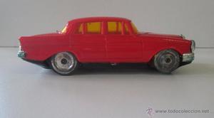 Antiguo coche Geyper en plástico duro y lata matricula 140,