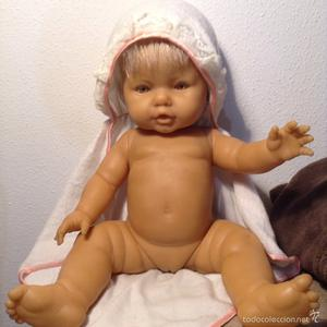Capa toalla del muñeco bebé Mi Nene Tiritón de Berjusa