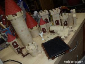 Exin Castillos.Lote de piezas de castillo grande y un