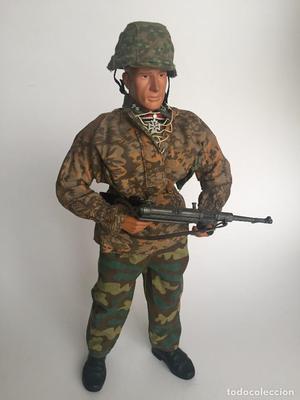 Figura de Oficial aleman de las Waffen SS de Dragon 1/6