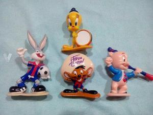 Lote de 4 figuras de Looney Tunes de F.C.BARCELONA