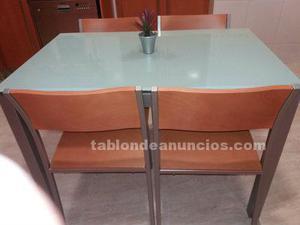 Se vende mesa de cocina más 4 sillas