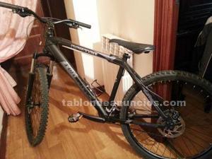 Bicicleta semiprofesional de montaña