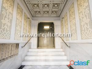 Soleado piso en venta para reformar en Eixample Izquierdo,