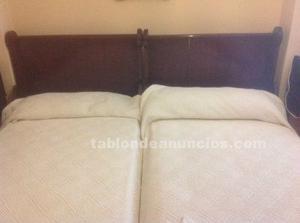 Dos camas + dos mesitas de noche (caoba)