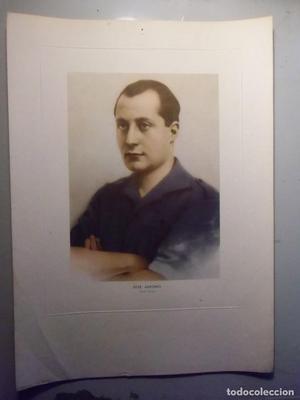 JOSÉ ANTONIO. retrato oficial.Foto Ángel Cortés,ediciones
