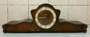 Bonito reloj de chimenea en madera de nogal carrillon de 11