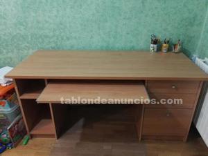 Se vende mesa escritorio ordenador de madera
