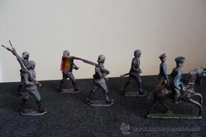 (JX-896)Conjunto de 7 antiguos soldaditos de plomo,5 de