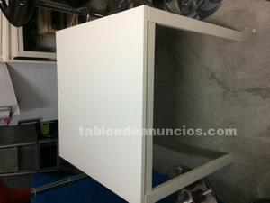 Mesas en madera y aluminio