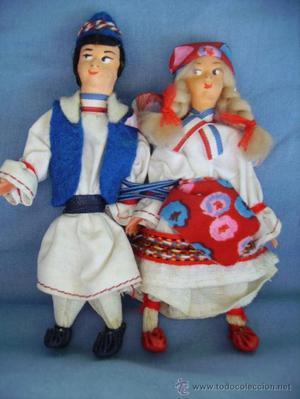 Pareja muñecos traje típico Países Bajos