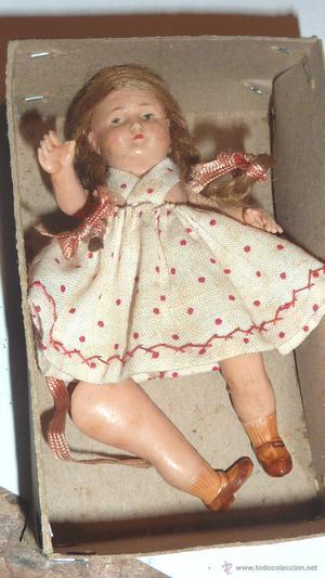 antigua muñeca celuloide pelo natural en caja 9 cm vestido