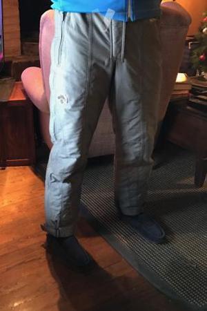 Pantalón Descente L gris.