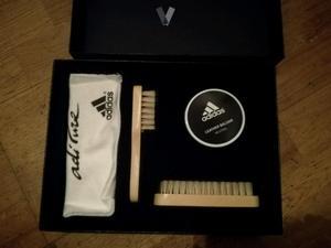 Set de limpieza Adidas para fútbol o rugby