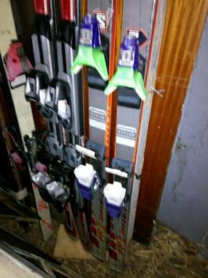 Tablas de esquiar con fijaciones