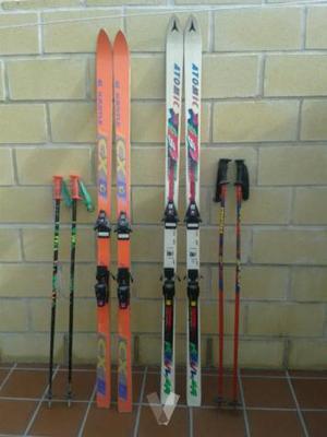 juego de esquís y botas