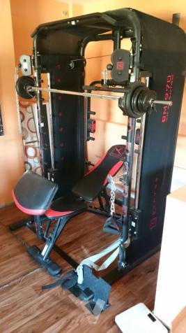 máquina musculación gimnasio