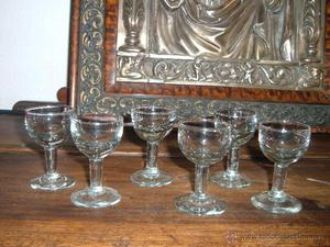 6 copitas de cristal prensado