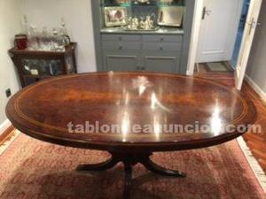 Mesa clasica ovalada de comedor