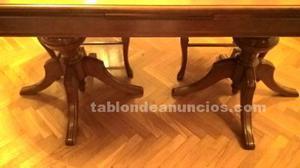 Mesa de madera de caoba y cuatro sillas