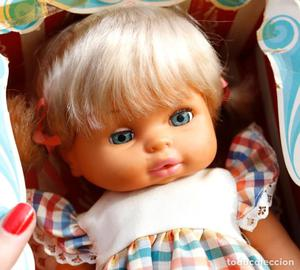 Muñeca de Berjusa sin uso, con la caja de Betty de Berjusa