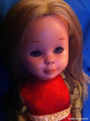 Preciosa Nancy rubia. Mediados de los 70. Pelo a capas, ojos