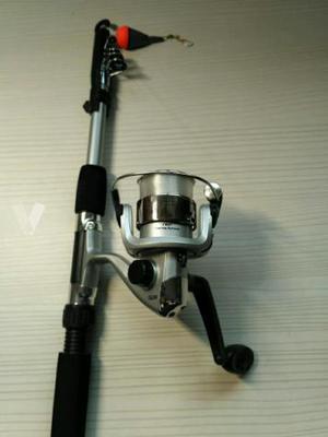 Caña de pescar con accesorios