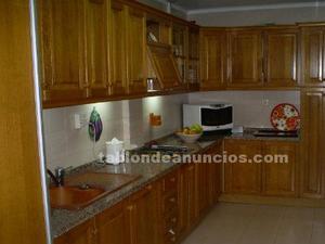 Conjunto de puertas macizas de roble para muebles de cocina