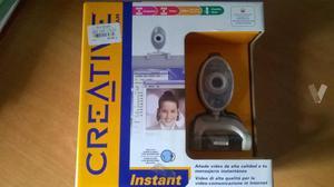 Web cam con cable USB.