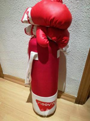 saco de boxeo y guantes infantil