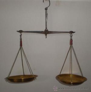 Antigua *BALANZA* de precisión para pesar azafrán, de