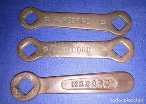 Antiguas 3 llaves fijas Marca RECORD.