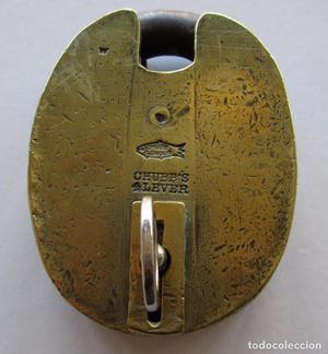Antiguo candado en bronce CHUBB`S, Inglaterra. Funciona
