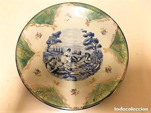 Bonito plato aleman de porcelana de Bavaria con escena