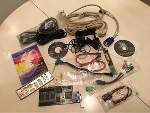 Cables y piezas de ordenador