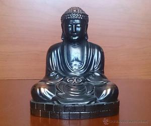 Imagen antigua de Buda en posición de loto en cobre (Hecho