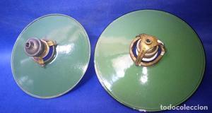 Lamparas esmaltadas vintage. Dos de 21,5 y 20 cm. diámetro.
