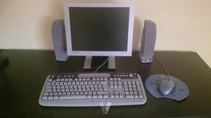 Ordenador Hp, pantalla y teclado samsung