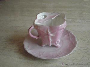 antigua taza de porcelana para señores con bigote