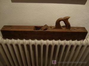 antiguo cepillo de carpintero