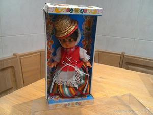 Antigua muñeca PSS traje regional tenerife