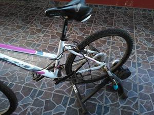 Bicicleta BPro con rodador marca Btwin
