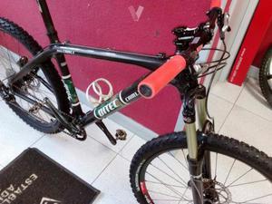 "Bicicleta de carbono 26"" talla M"