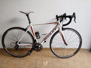 Bicicleta de carbono ridley fénix.