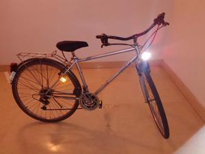 Bicicleta estilo holandesa con marchas. Talla L