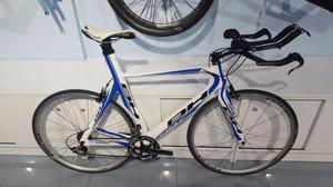 Bicicleta triatlon BH GC Aero