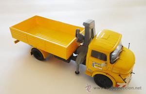 Camion Miniatura Truck Mercedes Benz