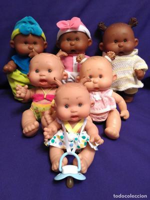 Lote de 6 muñecas enteras de vinilo.