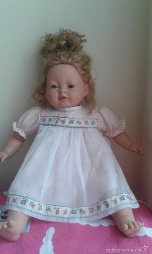 Muñeca de colección Carmen Gonzalez